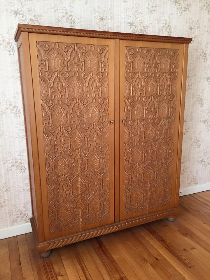 ancienne armoire marocaine couleur brocante. Black Bedroom Furniture Sets. Home Design Ideas
