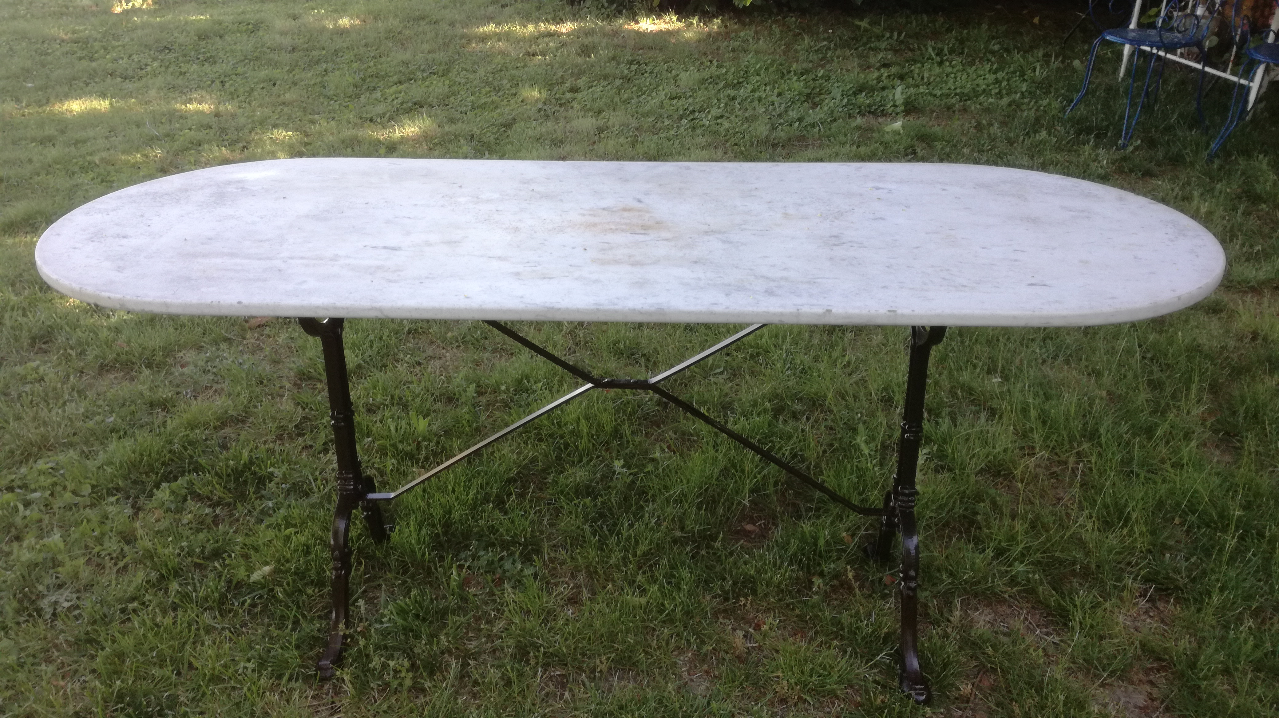Table bistrot couleur brocante - Table bistrot dessus marbre ...