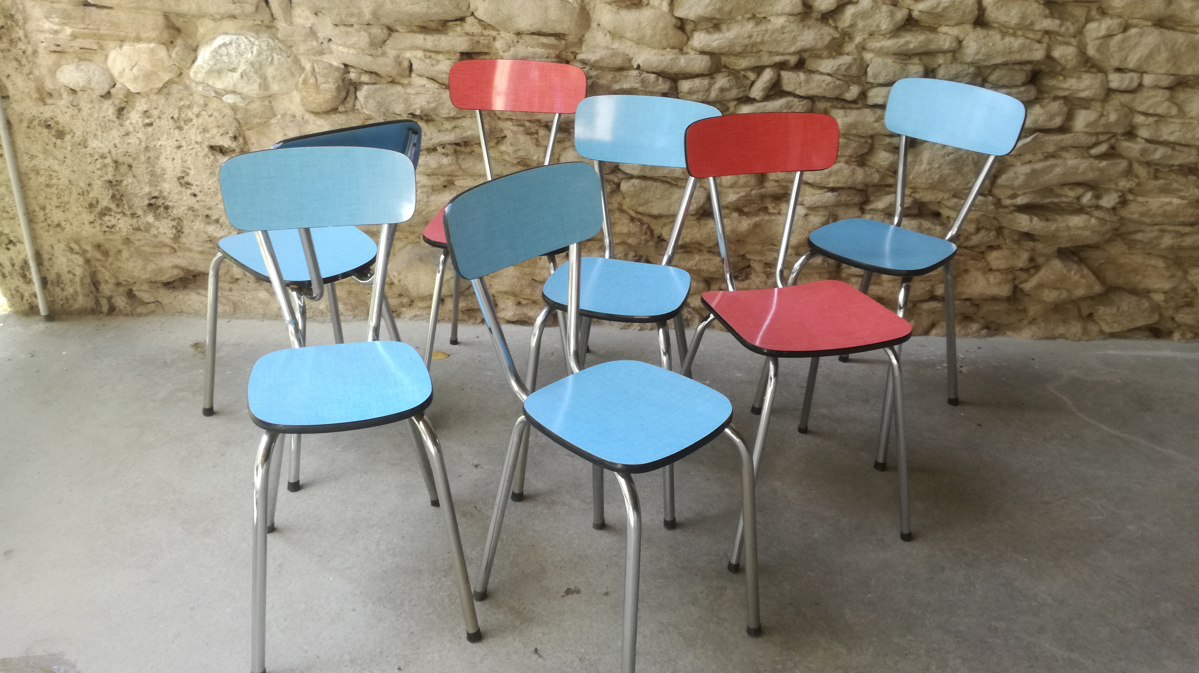 Tables Rouge 3 Table Bleu Jaune 2 Chaises Formica Rouge 4